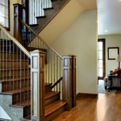 Jak dbać o drewniane schody?